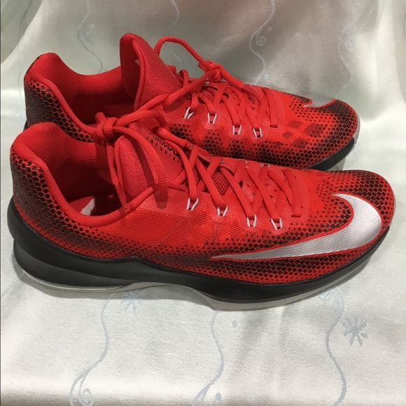 los angeles 08f41 b6281 Nike Air Max Infuriate Low Men s basketball shoes